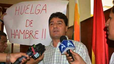 Subgobernador-se-declara-en-huelga