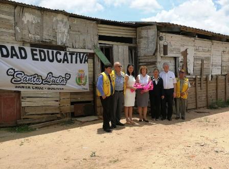 Construyen-unidad-educativa