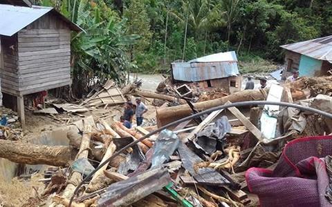 Hallan-vivos-a-17-menores-desaparecidos-por-inundaciones-en-Indonesia