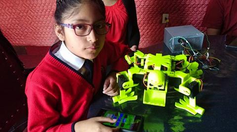 Nina-de-nueve-anos-crea-un-robot-para-trabajar-en-la-mina