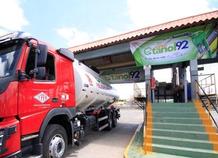 Inician-venta-de-super-etanol-92-en-Tarija