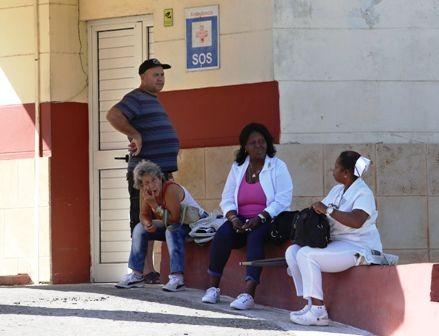 Cuba-retira-11-mil-medicos-de-Brasil