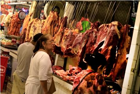 Carniceros-amenazan-con-paro-indefinido