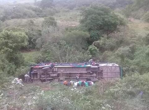 Accidente-de-un-bus-en-Venadillo-deja-un-muerto-y-varios-heridos