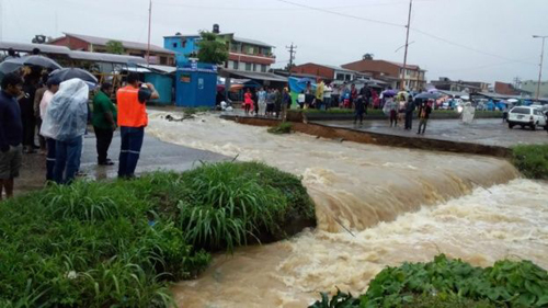 ABC-recomienda-conducir-con-precaucion-tras-colapso-de-alcantarilla-en-Entre-Rios-