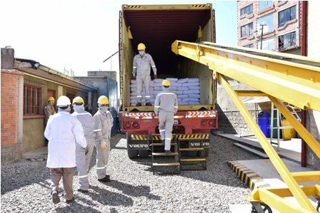 Inicia-exportacion-de-40-tn-de-quinua