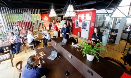 Innovacion,-El-Economico-estrena-su-cafe-banco