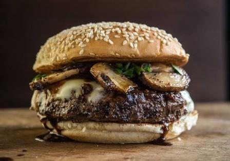Una-hamburguesa-azul-de-buena