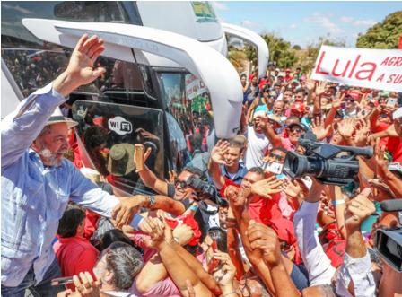 Lula-inicia-cuarta-caravana-en-sur-de-Brasil-