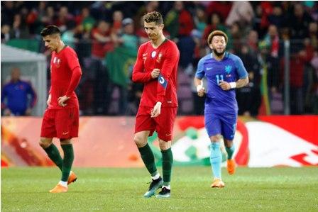 Holanda-aplasta-a-la-Portugal-de-Cristiano-3-0