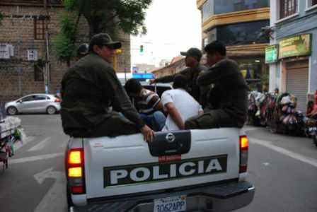 Policias-y-vecinos-implementan-un-nuevo-sistema-de-seguridad