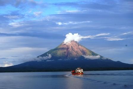 Nicaragua-entre-volcanes-y-playas