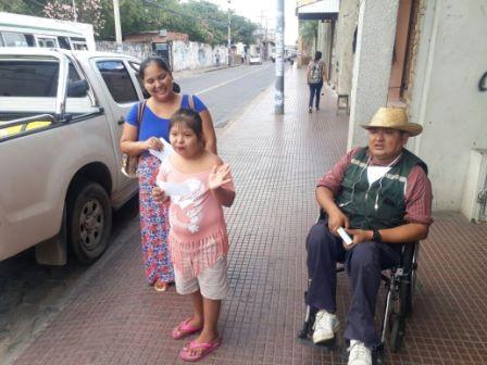 Discapacitados-reciben-su-bono-con-retroactivo-a-marzo