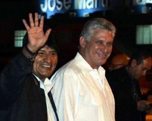 Evo-Morales-viaja-a-Cuba-para-reunirse-con-su-colega-Miguel-Diaz-Canel