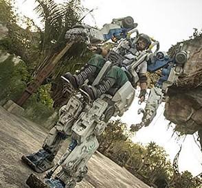 Trajes-mecanicos-de-4.2-toneladas-son-la-sensacion-en-un-parque-Disney