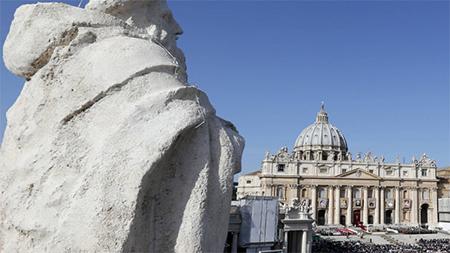 El-Vaticano-arresta-a-un-alto-diplomatico-acusado-de-pornografia
