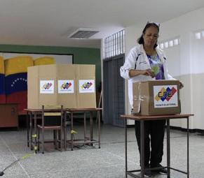 Un-notorio-ausentismo-marca-la-jornada-electoral-en-Venezuela