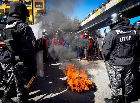Un-muerto-deja-represion-policial-en-El-Alto-