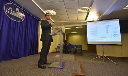 El-Ministro-de-Economia-ratifica-el-crecimiento-a-un-4.7%-el-2018,-lo-que-haria-posible-el-pago-del-segundo-aguinaldo