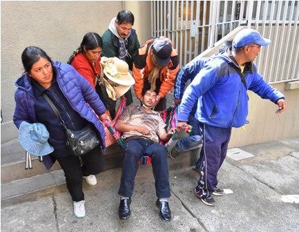 Violencia-y-detenidos,-Policias-y-estudiantes-de-la-UPEA-se-enfrentaron