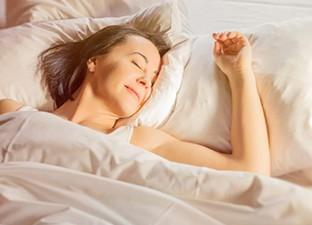 Sabes-que-dormir-con-luz-es-peligroso-para-tu-salud