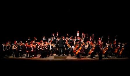 Alemania-al-ritmo-de-la-Filarmonica-de-Santa-Cruz-