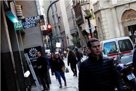 El-banco-se-moviliza-contra-crisis-argentina