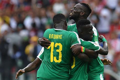 Senegal-aprovecha-los-errores-de-Polonia-y-le-gana-2-1