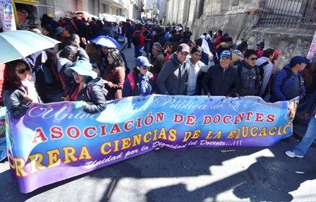 UPEA-piden-vetar-ley-de-presupuesto