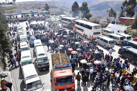 Radicalizan-las-medidas-de-presion-en-El-Alto