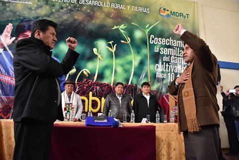 Posesionan-a-Eulogio-Condori-Mamani-como-nuevo-Viceministro-de-Coca