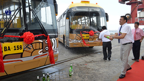 Tercera-flota-de-buses-Puma-Katari-emprende-viaje-desde-China