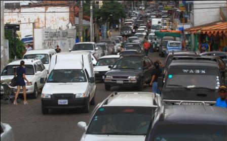 Trafico-conflictivo,-en-la-ciudad-hay-rutas-estresantes