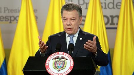 Juan-Manuel-Santos-otorgo-la-residencia-por-dos-anos-en-Colombia-a-440.000-venezolanos
