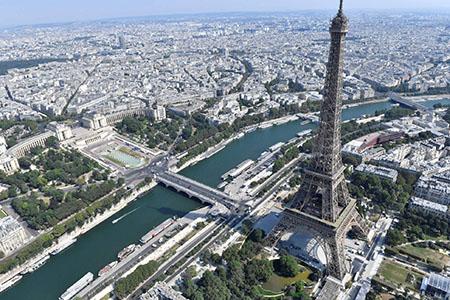 La-Torre-Eiffel-reabre-este-viernes-tras-dos-dias-cerrada-por-una-huelga