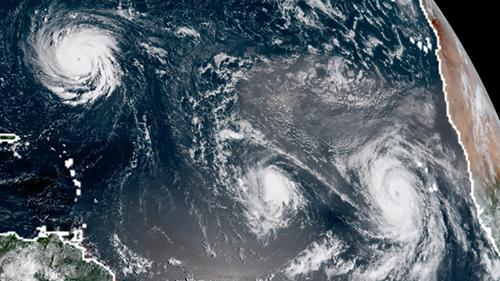 Tres-huracanes-surcan-el-Atlantico-mientras-Estados-Unidos-evacua-a-un-millon-de-personas