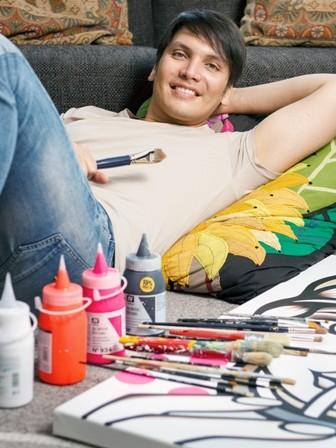 Jorge-vive-entre-lienzos-y-pinturas