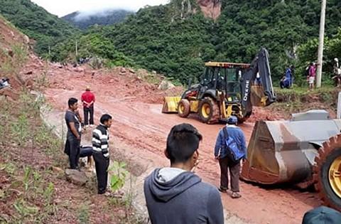 Derrumbes-ocasionan-cierre-de-un-tramo-de-la-carretera-a-Tarija