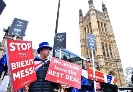 En-la-cuerda-floja-salida-de-Londres-de-la-Union-Europea