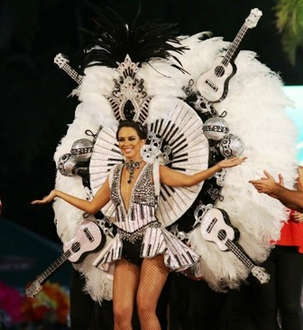 La-fantasia-y-el-carnaval-se-sintio-en-el-Boulevard
