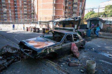 Mas-protestas-exigiendo-la-salida-de-Maduro