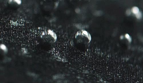 Este-tejido-transpirable-y-a-prueba-de-agua-de-The-North-Face-puede-ser-el-santo-grial-de-la-ropa-deportiva