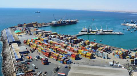 Logran-acuerdo-para-liberar-carga-boliviana-en-Puerto-de-Arica