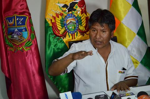 Fiscalia-cita-a-declarar-al-gobernador-de-Oruro