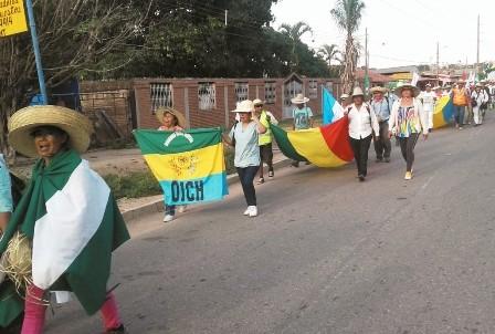 Marcha-indigena,-Manana-ingresa-a-la-urbe-crucena