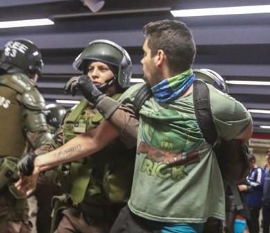Caos-en-Santiago-por-pasaje-del-metro