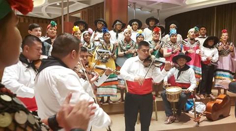 Musicos-indigenas-presentan--Missa-Santa-Ana--en-el-Vaticano