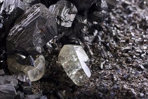 Baja-cotizacion-del-precio-del-zinc-afecta-a-mineria-en-Potosi