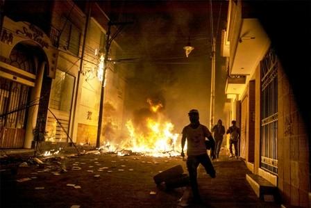 Enfrentamiento-y-protestas-por-conteo-electoral,-transmision-rapida-da-por-anulada-la--segunda-vuelta-