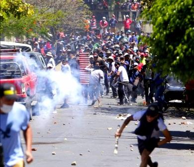 Las-protestas-sin-una-luz-al-final-del-tunel,-enfrentamientos-continuan-en-La-Paz-y-Cochabamba